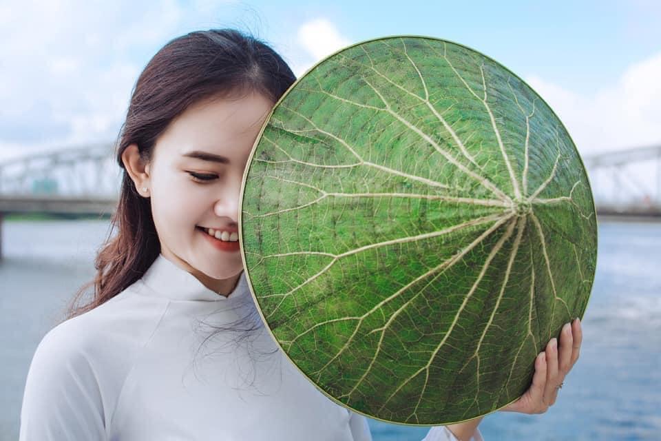 Hue lotus leaf conical hat