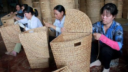 handicraft from water hyacinth